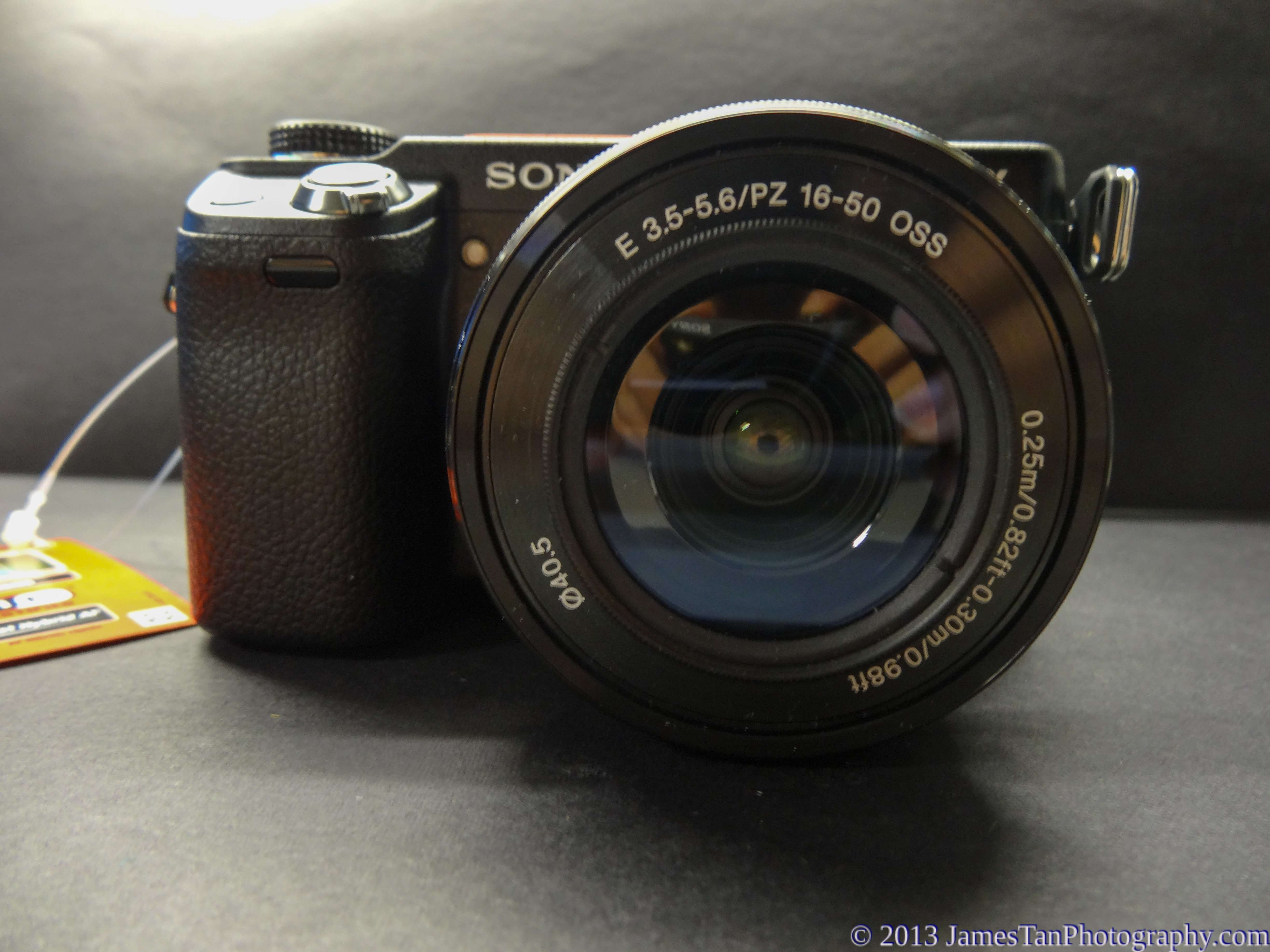 Sony Alpha NEX-6 Front View - with SELP1650 kit lens attached