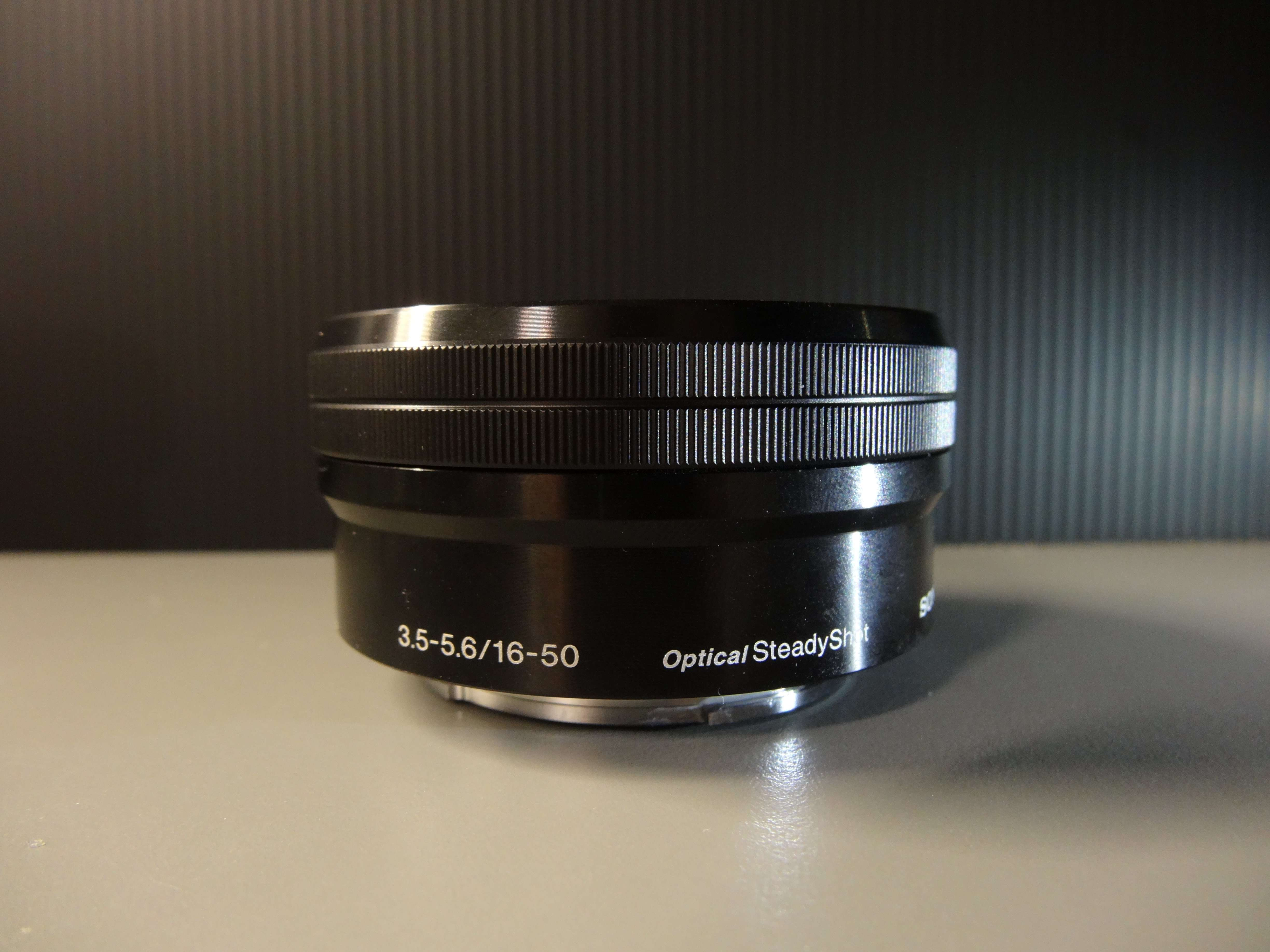 Zoom Lens with Image Stabilizer (Optical Steady Shot)