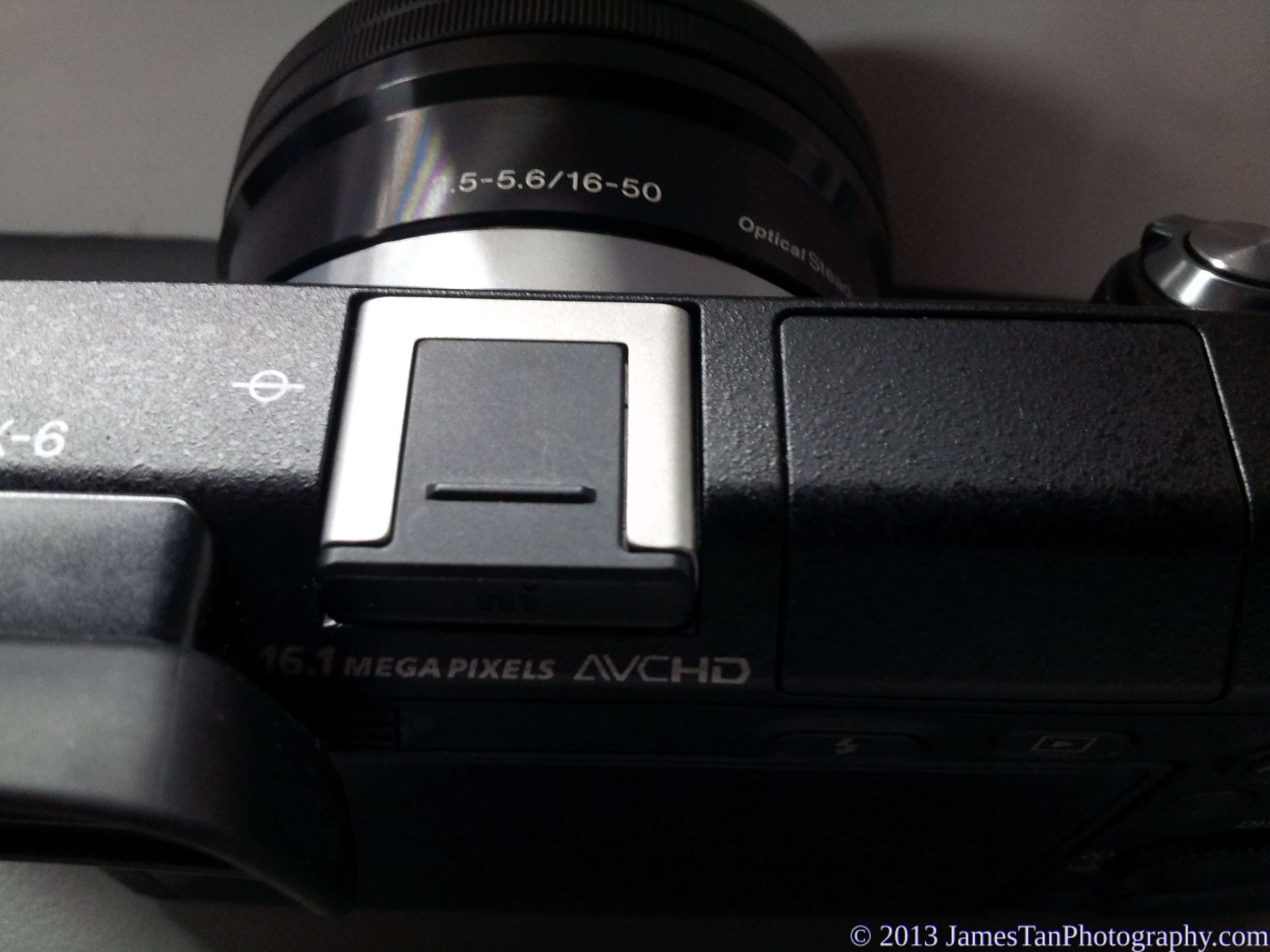 Sony Alpha NEX-6 Multi-interface hot shoe with cover