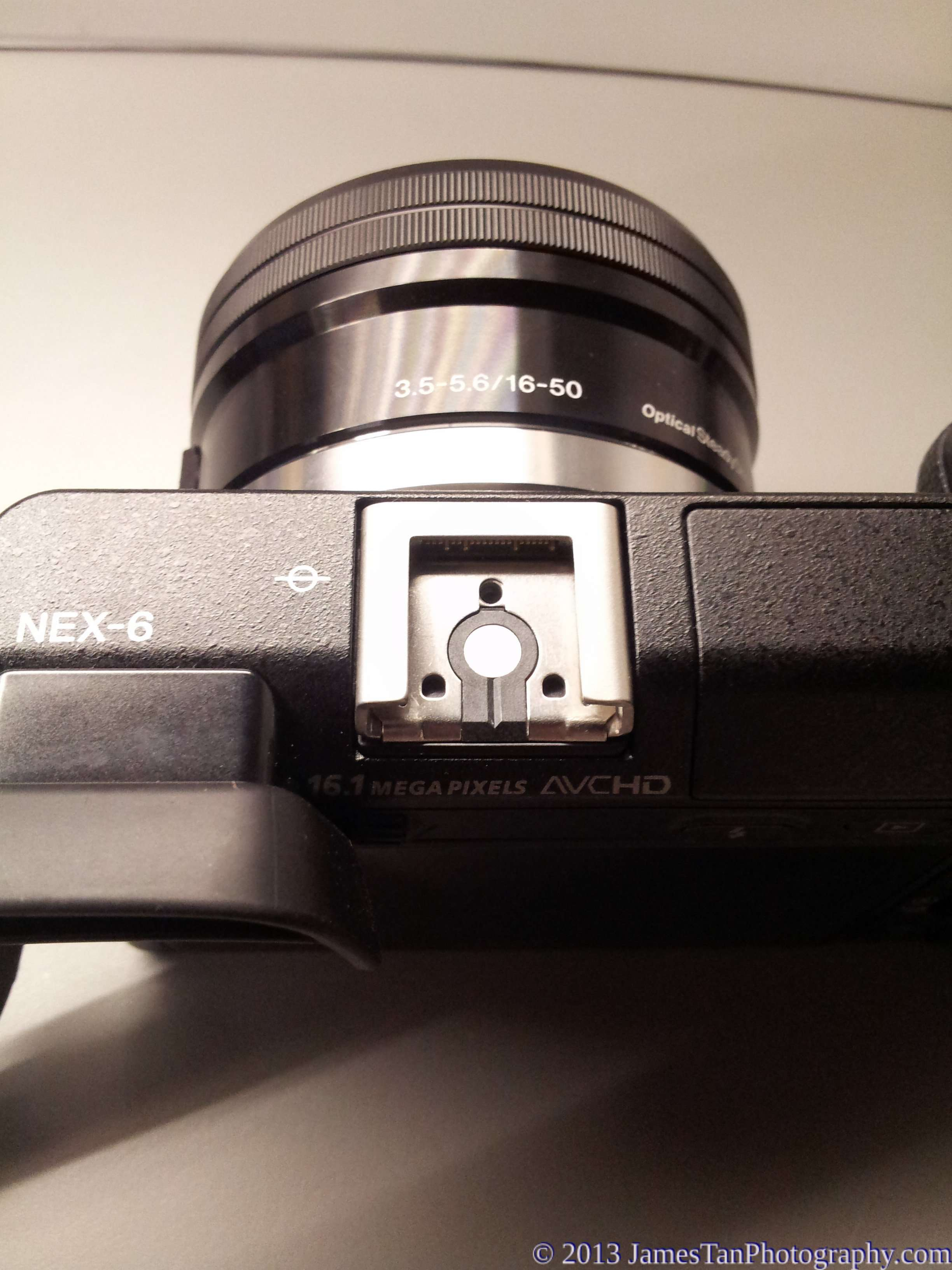 Sony Alpha NEX-6 Multi-interface hot shoe without cover